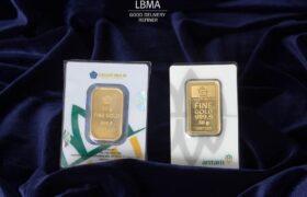 Emas batangan logam mulia antam